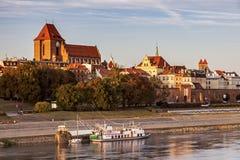 Torun Old Town del puente en la puesta del sol Fotos de archivo libres de regalías