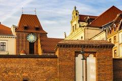 Torun Old Town del puente en la puesta del sol Fotografía de archivo