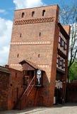 Torun, Polen: 13. Jahrhundert-lehnender Kontrollturm Lizenzfreie Stockfotografie