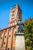 Torun Polen-September 11,2016: monument till astronomen, Nicolaus Royaltyfri Foto