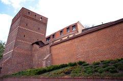 Torun, Polonia - la torre inclinada imagen de archivo