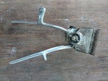 Tosatrici manuali d'annata anziane del metallo immagini stock libere da diritti
