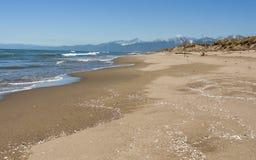 Toscânia abandonou a praia da areia Imagem de Stock Royalty Free