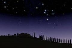 Toscaans landbouwbedrijf onder sterrige hemel Royalty-vrije Stock Afbeelding