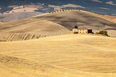 Toscaans platteland na zonsopgang, Toscanië, Italië Stock Foto