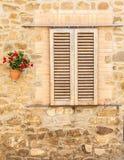 Toscaans venster Stock Afbeeldingen