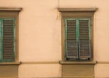 Toscaanse Vensters Stock Afbeeldingen