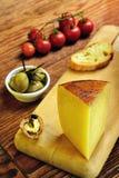 Toscano de Pecorino, queso italiano de las ovejas, típico de Toscana Fotografía de archivo