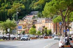 TOSCOLANO-MADERNO,意大利- 2016年9月18日:Toscolano-Maderno、一个镇和comune美丽的景色在湖G西海岸  图库摄影
