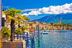 Toscolarno Maderno by på den Lago di Garda sikten Royaltyfria Bilder