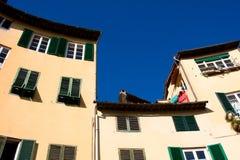 Toskana. Alte Wohnungen in Lucca Stockfotos