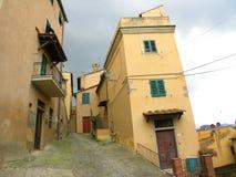 Toskana bringt Castagneto Carducci unter Stockbilder
