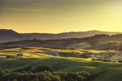 Toskana-Frühling, Rolling Hills auf Sonnenuntergang Landwirtschaftliche Landschaft Grün Lizenzfreies Stockfoto