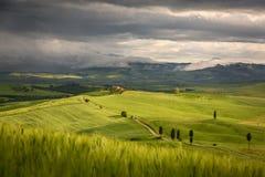 Toskana-Landschaft mit Bauernhof nahe Pienza, Italien Lizenzfreie Stockbilder