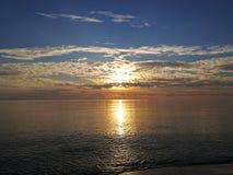 Toskana Maremma, Grosseto, Castiglione-della Pescaia, panoramische Fotos des Sonnenuntergangs auf dem Meer lizenzfreie stockfotos