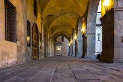 Toskana, mittelalterliche Säulenhalle Stockbild