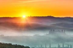 Toskana-Sonnenaufgang Stockfoto