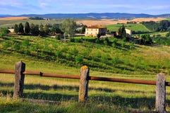 Toskanische Hügel in Italien Stockbild