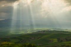 Toskanische Landschaft nahe Volterra (Pisa, Italien) Lizenzfreies Stockfoto