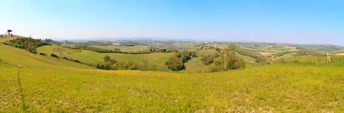 Toskanisches Hügelpanorama (hohe Res) lizenzfreies stockfoto