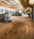 Tosquia de ovinos derramada abandonado agora Foto de Stock Royalty Free
