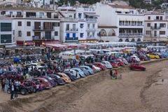 Tossa de março, Spain 17 de setembro de 2016: Carros do vintage de Volkswagen estacionados na praia Fotos de Stock Royalty Free