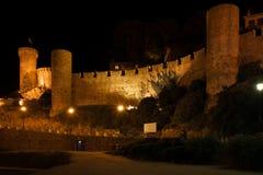 Tossa de Mar slott på natten i Spanien Royaltyfri Fotografi