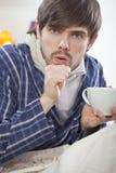 Tossir doente do homem Fotografia de Stock Royalty Free