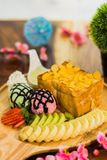 Tostada de la miel con helado Fotos de archivo libres de regalías