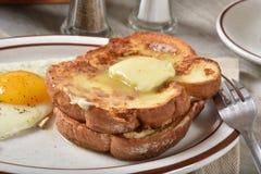 Tostada francesa cocinada hogar imagenes de archivo