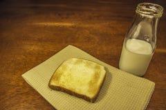 Tostada y leche Fotografía de archivo