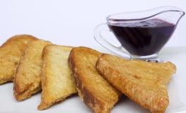 Tostadas y salsa fritas de la baya Fotografía de archivo
