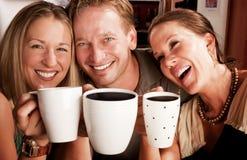 Tostando con le tazze di Coffe Immagini Stock Libere da Diritti