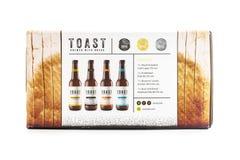 Tosti la birra del mestiere, fatta con il pane fresco in eccedenza Immagine Stock