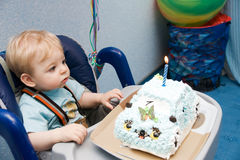 Tot with cake Royalty Free Stock Photos