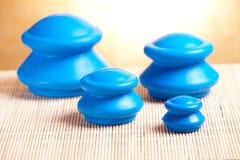 Tot een kom vormend rubberglas Royalty-vrije Stock Foto's