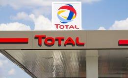 Totaal teken die een benzinestation identificeren Royalty-vrije Stock Foto's
