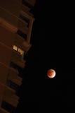 Totale maanverduistering bij 2011.12.11 Stock Foto's