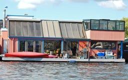 Totalt unik husbåt på sjöunion Fotografering för Bildbyråer