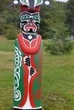 Totemów słupów ` Namgis narodu Pierwszy miejsce pochówku, ostrzeżenie zatoka, BC Zdjęcia Royalty Free