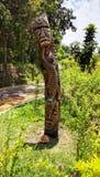 Totem: Iconic symbol av stammen arkivbilder