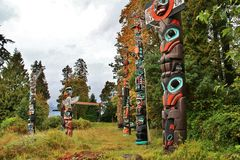 Totem Pole, Fall Color, Autumn leaves, City Landscape in Stanley Paark, Downtown Vancouver, British Columbia Stock Images