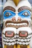Totem variopinto del Inuit nell'Alaska Fotografie Stock Libere da Diritti