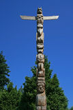 Totemen Poles i Stanley parkerar, Vancouver, Kanada Royaltyfria Bilder