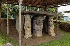 Totemet i San Agustin Archeological parkerar, Huilla, Colombia Unesco-världsarv Arkivbild
