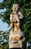 Totempålen är kulturarvet av första nationfolk arkivbilder