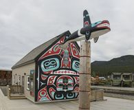 Totempaal in Carcross, Yukon-Grondgebied Royalty-vrije Stock Afbeelding