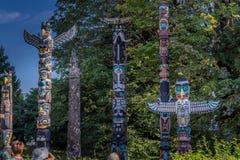 Totempalen in Stanley Park stock fotografie