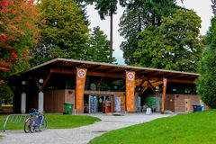 Totempalen in Stanley Park Gift Shop, Vancouver, BC Stock Fotografie
