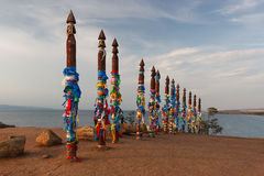 Totens do curandeiro na ilha de Olhon, Baikal, Rússia imagens de stock royalty free